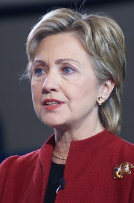 What Does Hillary Believe? Populists Want to Know.
